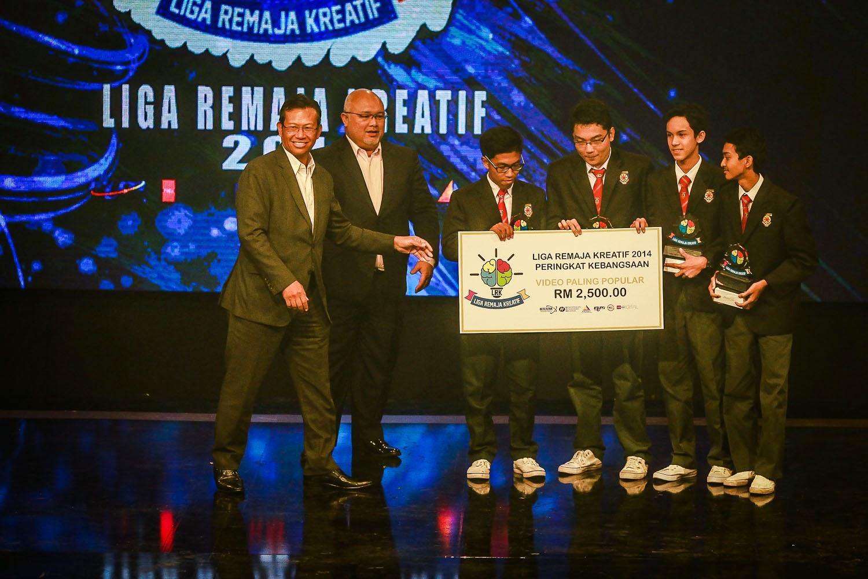 SMK Kota Kemuning Johan Video Paling Popular Liga Remaja Kreatif 2014
