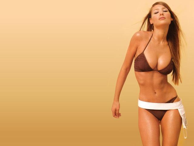 Carolina Ardohain Hot Super Star
