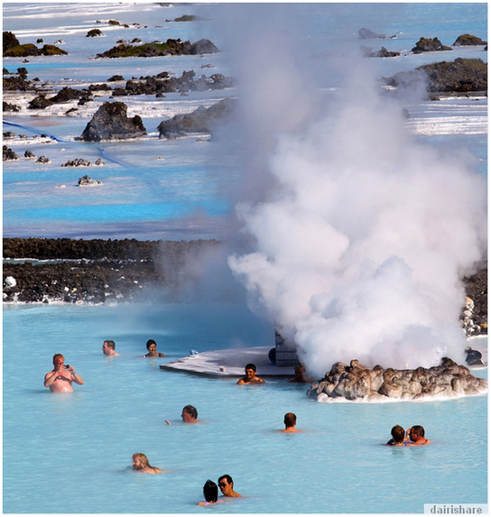 Blue lagoon spa kolam air panas paling popular di dunia for Where is the blue lagoon located in iceland