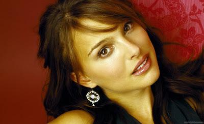 Hollywood Actress Natalie Portman Wallpaper-02