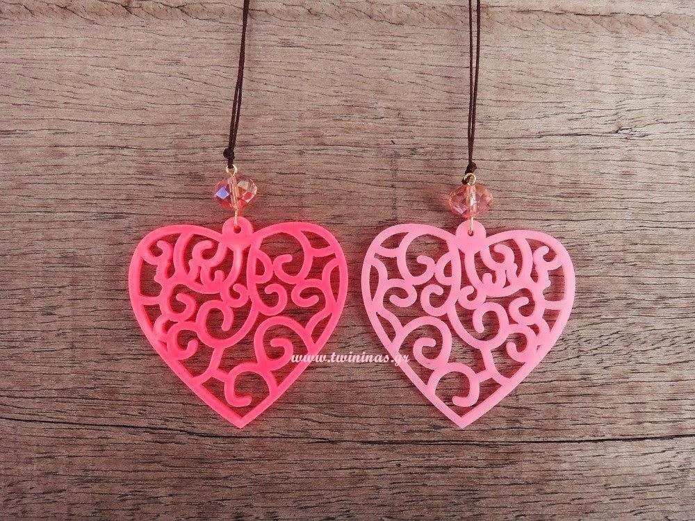 http://www.twininas.gr/%CF%80%CF%81%CE%BF%CF%8A%CF%8C%CE%BD/love-plexiglass-necklace