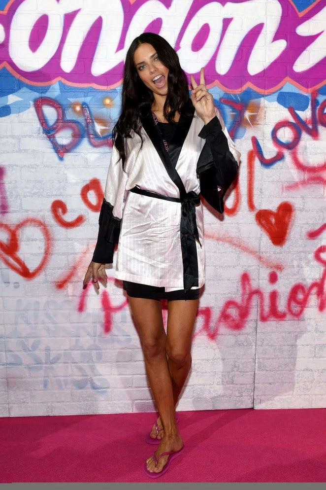 Adriana Lima – 2014 Victoria's Secret Show Backstage