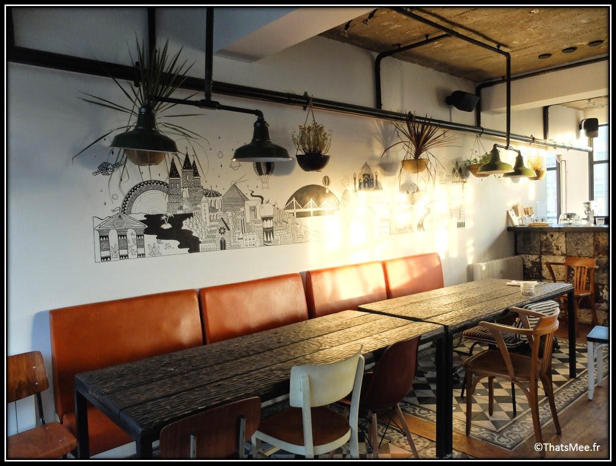 bar perchoir hipster rooftop Paris vue,  Perchoir sur toits de Paris restaurant cosy appartement loft déco design urban street art collage mur, Perchoir cidres perchés soirée privee Paris 11eme bar cocktails