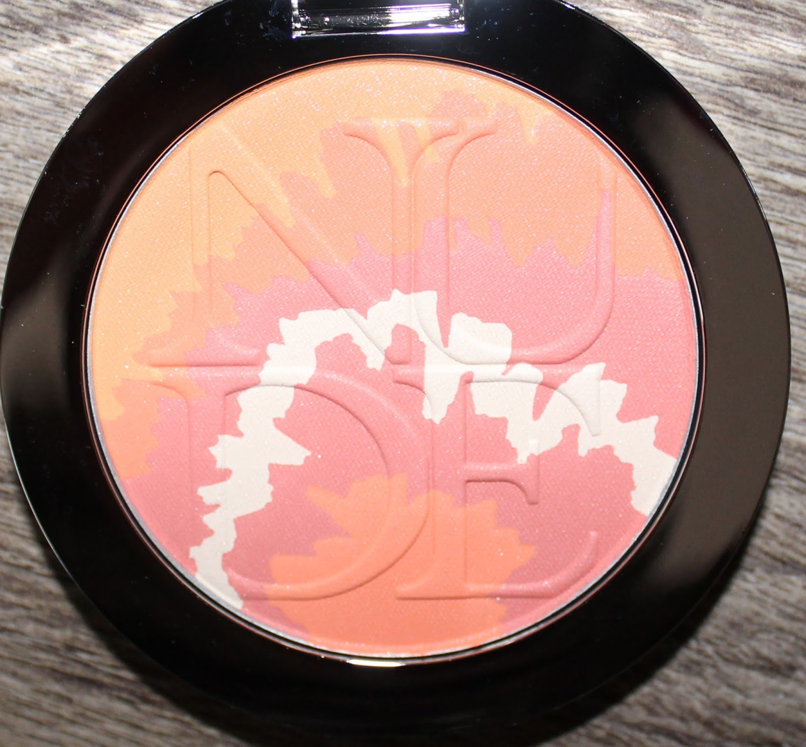 DiorSkin Nude Tan Tie Dye Edition Blush Harmony in Coral Sunset