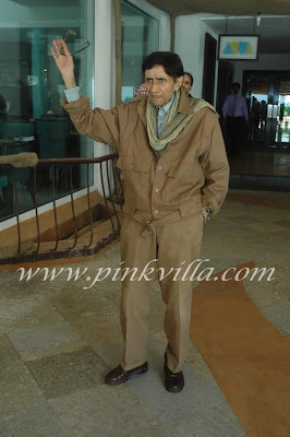 Dev Anand celebrates birthday with media