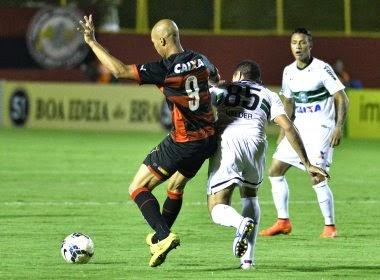 Vitória cede empate ao Coritiba e segue ameaçado