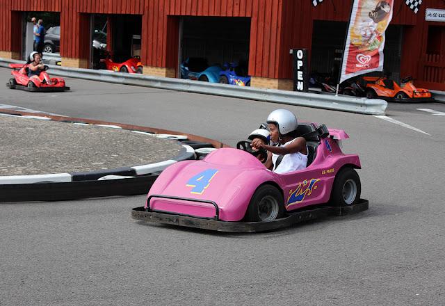 racing-in-gokarts-sealife-weymouth-todaymyway.com