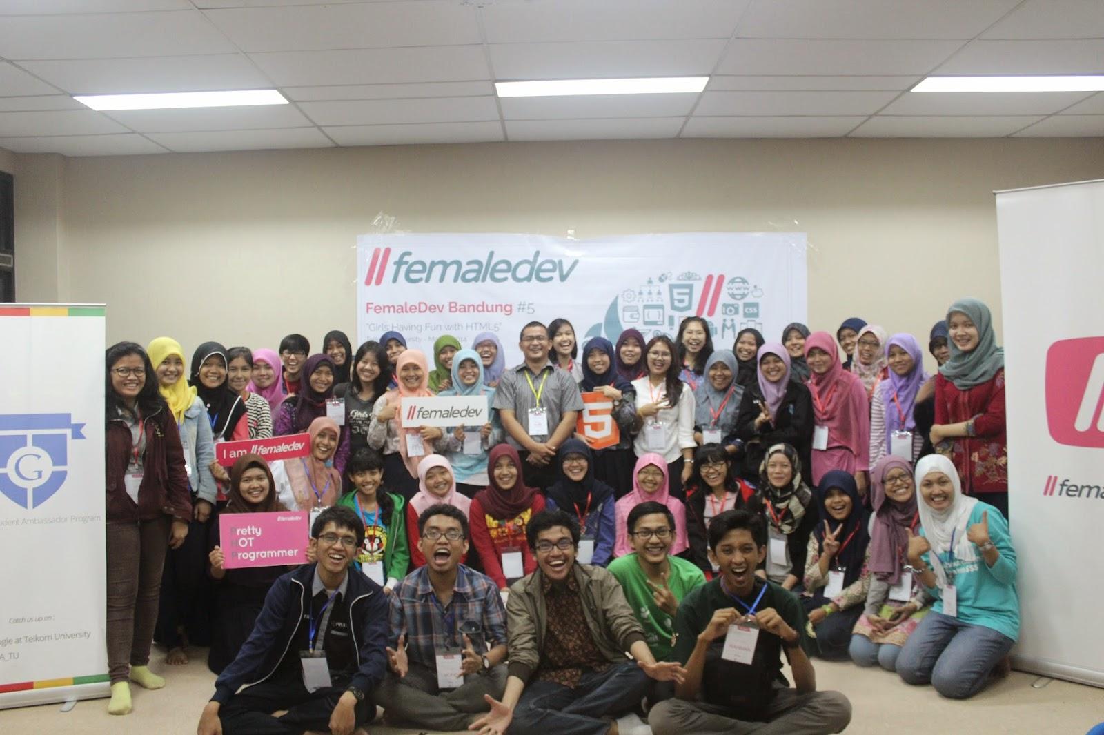 Female Dev Bandung di Telkom University | MMufidLuthfi