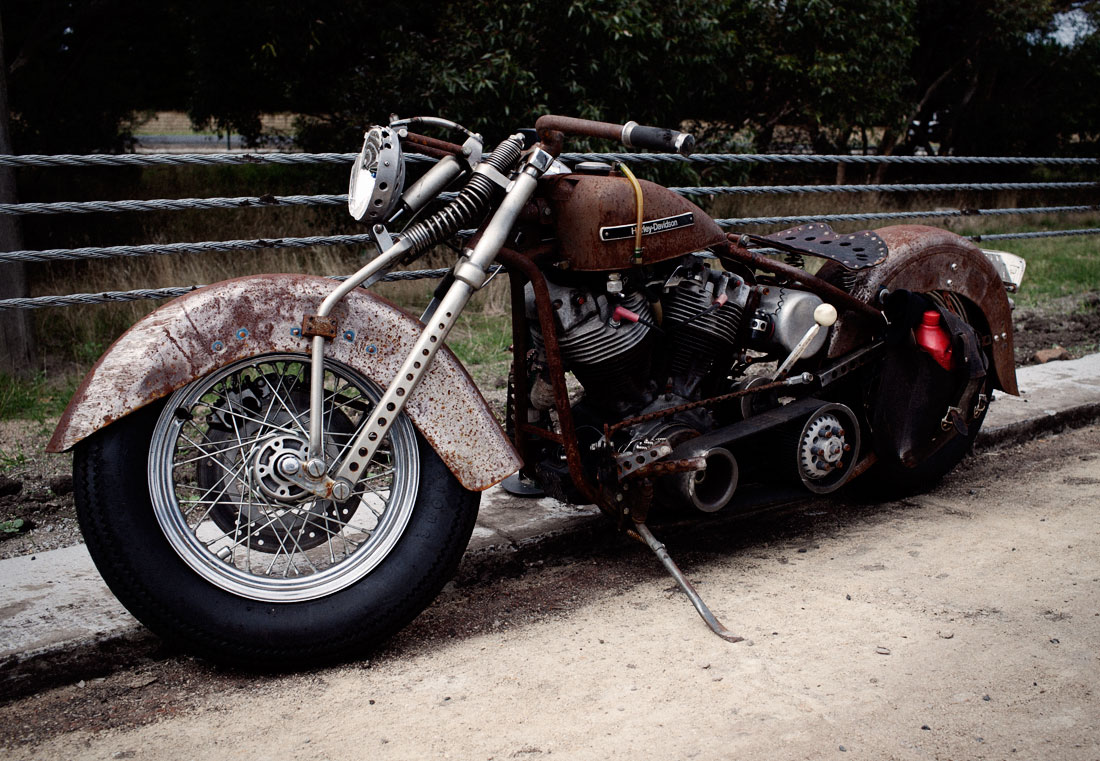 Custom Harley Davidson tutta ruggine con trasmissioni a vista, sella  1100 x 761 · 239 kB · jpeg