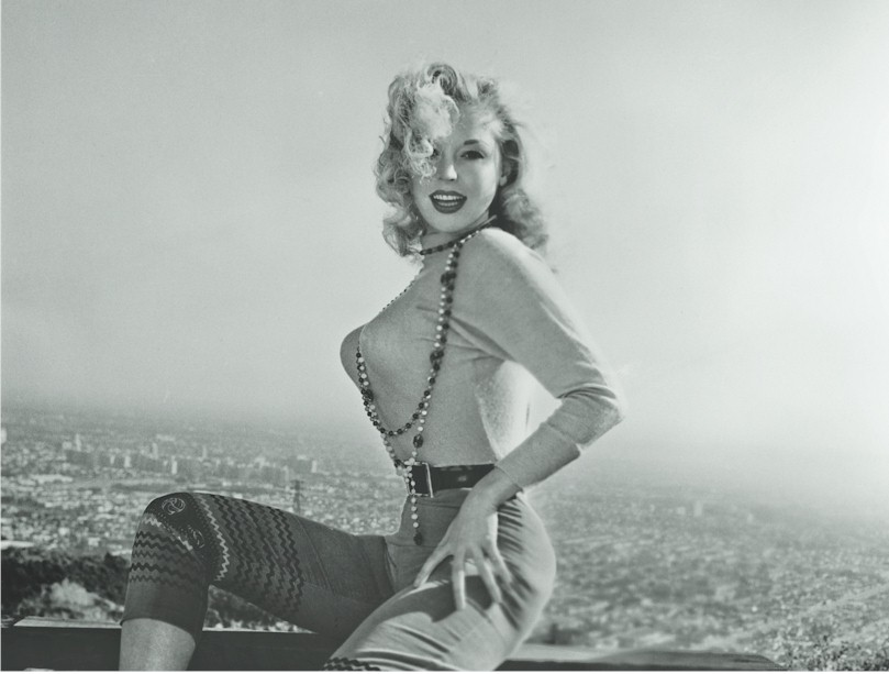 Pinup History: the Atomic Age - News and blogs - Hot Rod Time sweater+girl