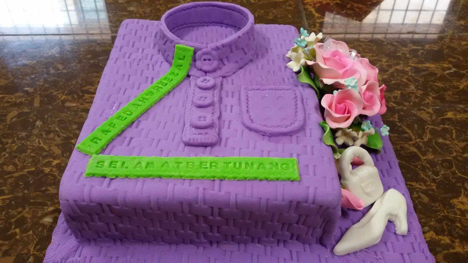 baju melayu-engagement cake