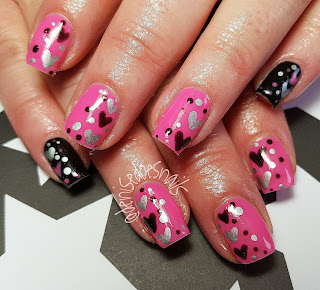 Valentine nails with hearts