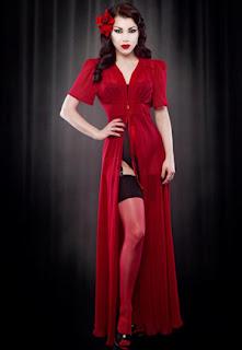 robe soie rouge rétro