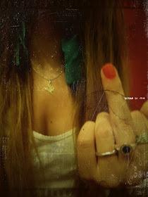 Los amigos se cuentan con los dedos de una mano, los enemigos con el dedo del medio