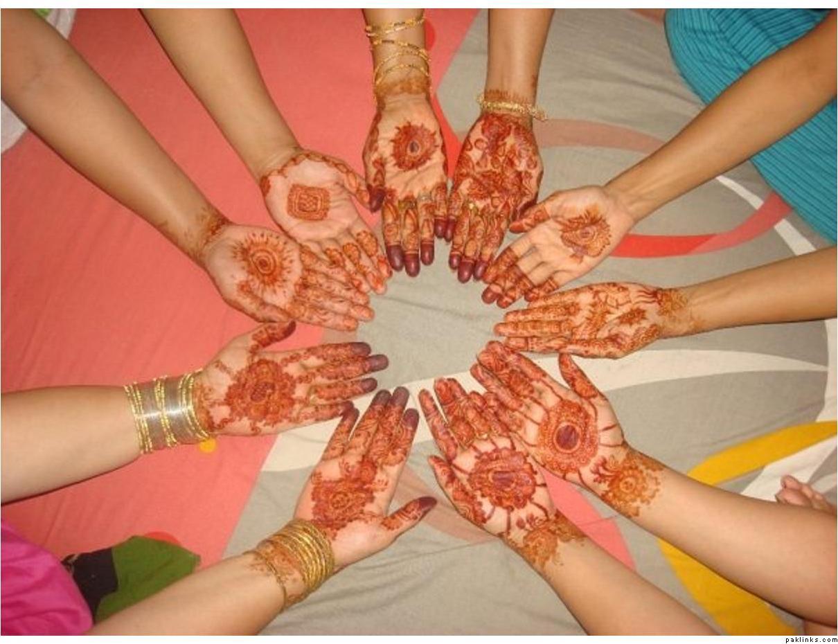 Mehndi Circle Meaning : Mehndi design tikka