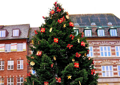 Picture of the Christmas tree in the center of Bremen.