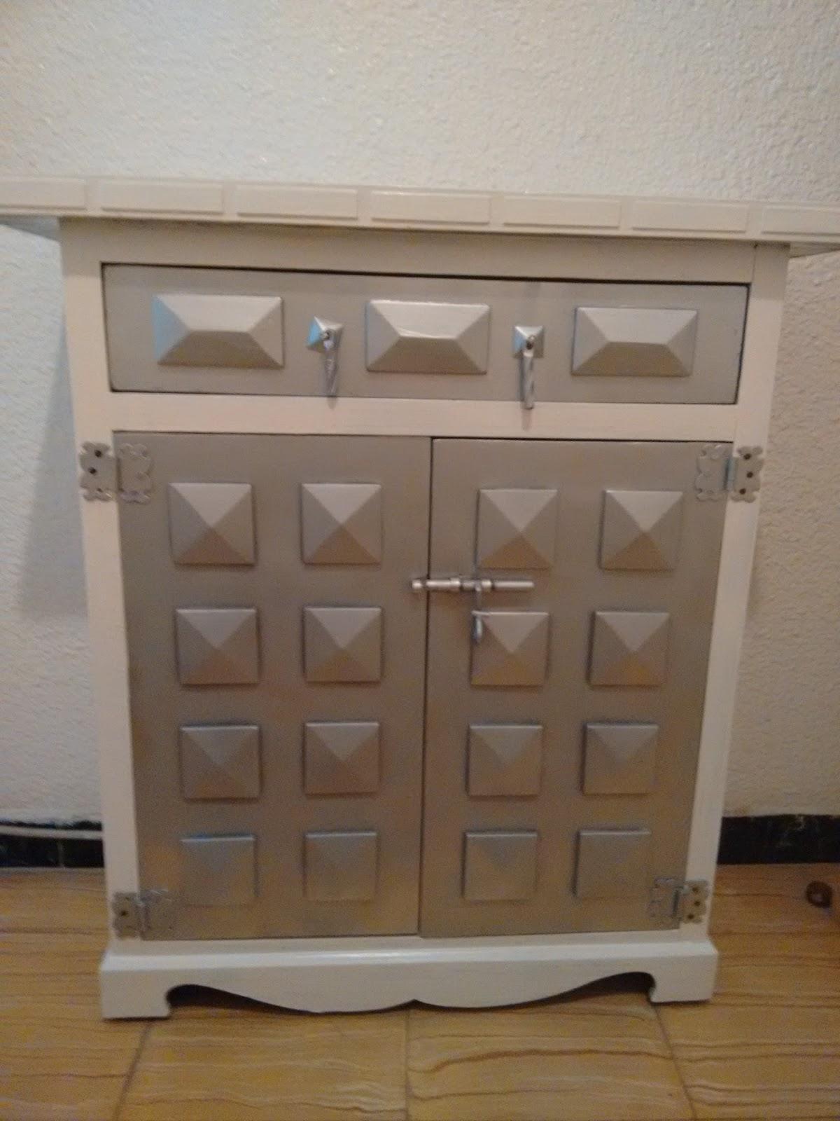 Pintar los muebles de blanco cool gallery of muebles de for Pintar muebles laminados