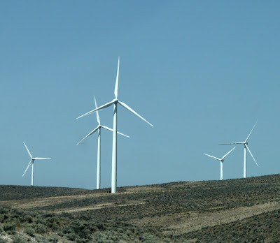 the wind part of puget sound energy's wild horse wind and solar and priest rapids hydro