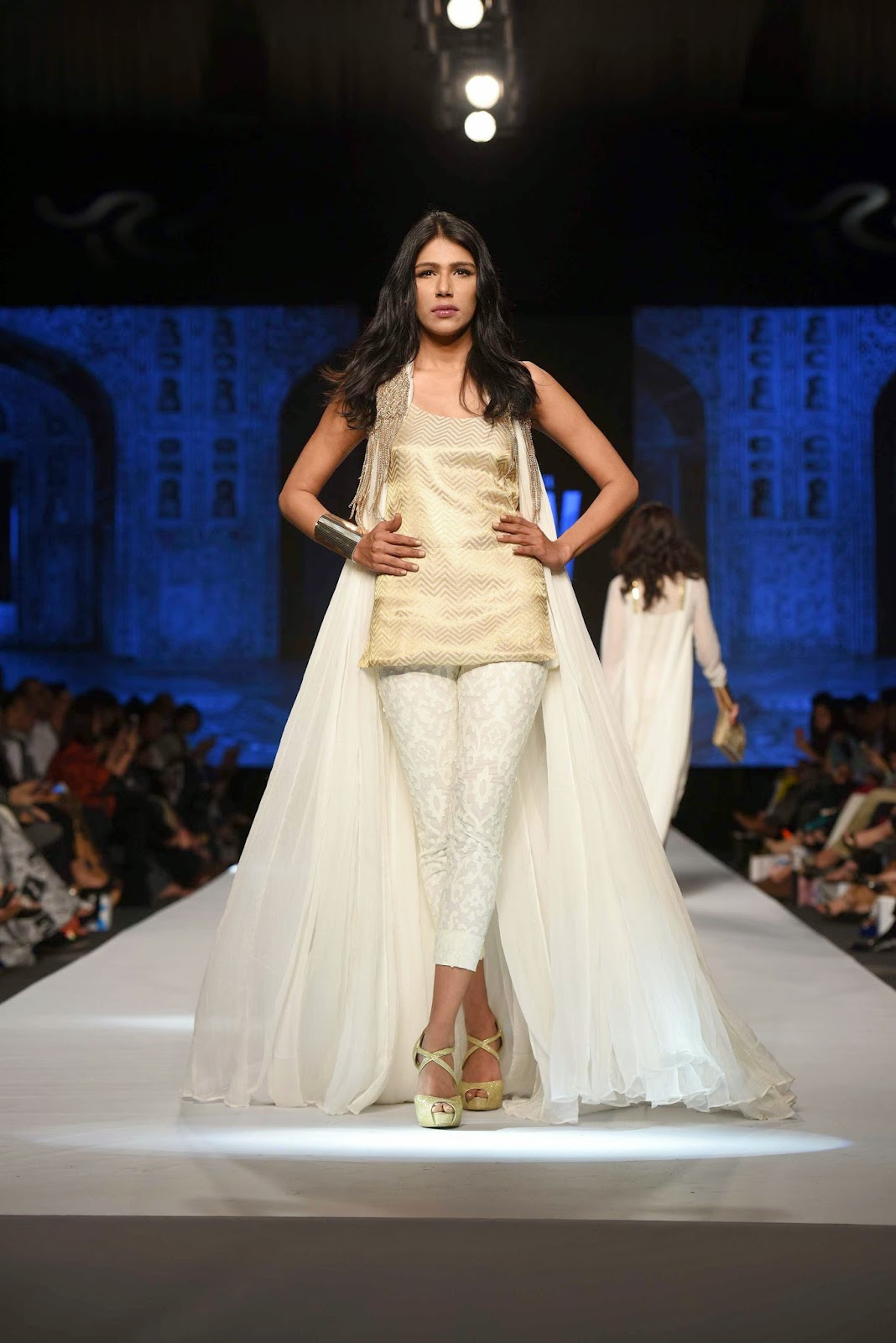 fayeza ansari Gul Ahmed Telenor Fashion Pakistan Week 2015
