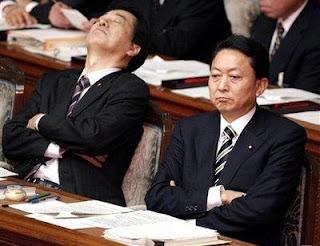 """Inemuri, el """"arte"""" de dormir en el trabajo Japanesesleep5"""