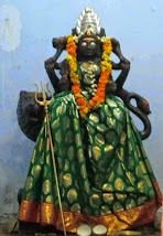 கிராமத்திற்கு அரணாக இருந்து மண்ணின் மக்களை காவல் காக்கும் சக்தி படைத்த காளியம்மன் அம்மனே!!