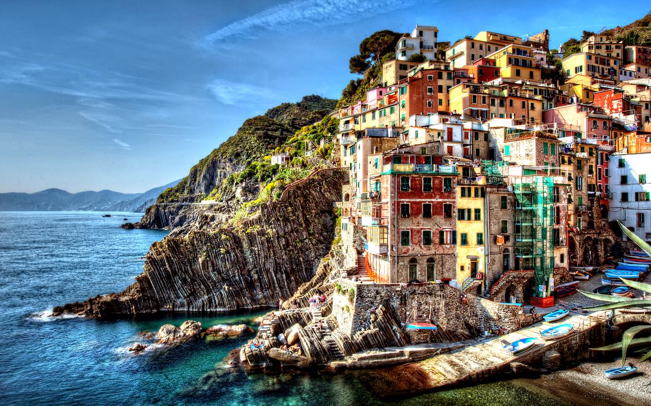 http://2.bp.blogspot.com/-fI1BmyXCHeI/UUwszhUhKfI/AAAAAAAATT8/zkec2wTDAYk/s1600/Cinque+Terre+Italy+04.jpg