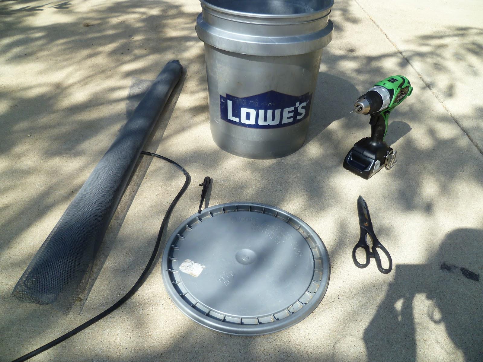 How to natural gardening 5 gallon bucket drip irrigation - Tubo riego por goteo ...