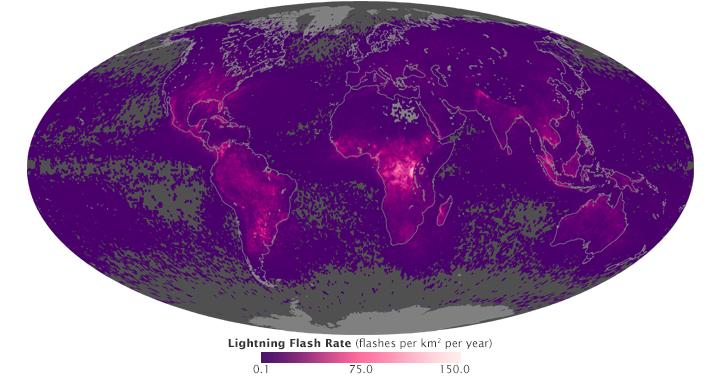 Les éclairs dans le monde