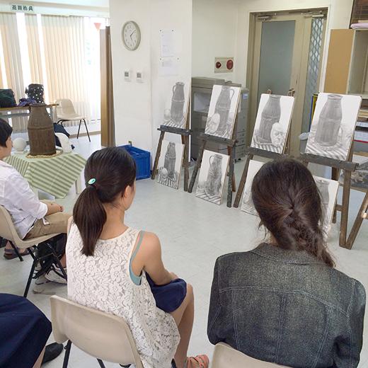 横浜美術学院の中学生教室 美術クラブ のびのび描こう!鉛筆で描く「静物デッサン」9
