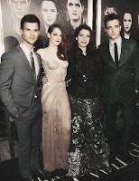 Taylor, Kristen, Stephenie e Robert
