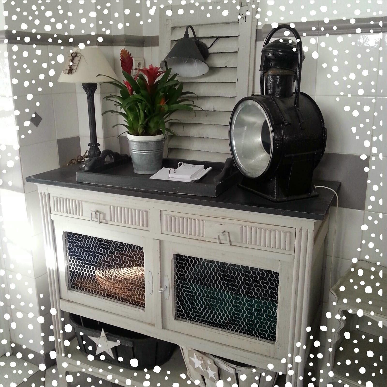 paris l 39 ouest l atelier des 4 saisons meubles relook s. Black Bedroom Furniture Sets. Home Design Ideas