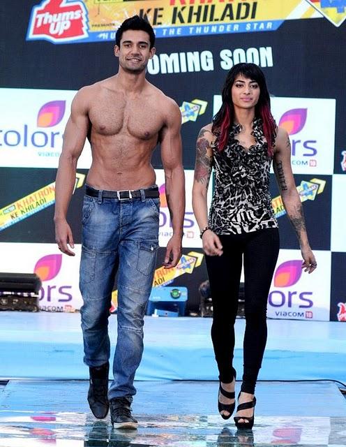 Nude sakarepe: Dina Singh - Female Contestant in Fear