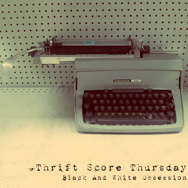 #thriftscorethursday Week 9 Vintage-Typewriters | www.blackandwhiteobsession.com