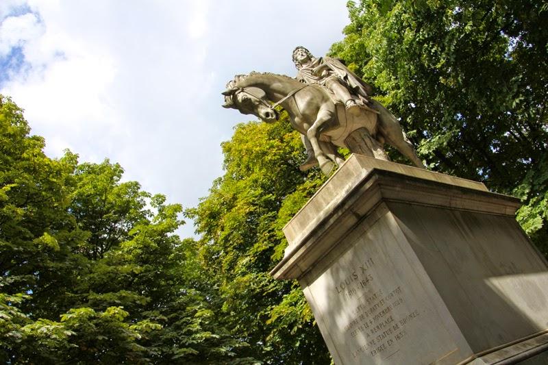 Paris : Place des Vosges