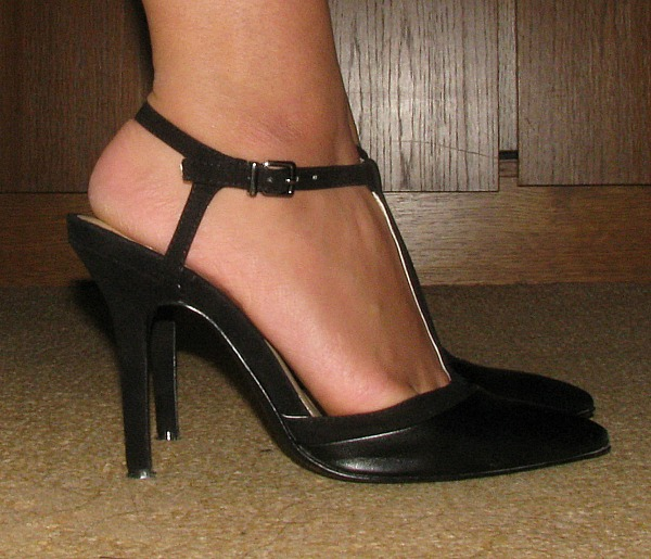 BCBGeneration Black Mary Jane pumps