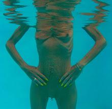 Annick sous l'eau