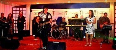 Bella Fawzi Duet dgn Ayah Ikang Tahun Bari 2010 di Medan Sumut