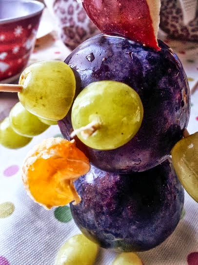 Spooky Fruit Creations spider witch face halloween craft recipe