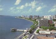 Avenida Ivo do Prado (Rua da Frente), em Aracaju. Foto reproduzida do site: .