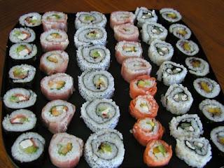 sushi 10 Makanan Paling Banyak mengandung Protein