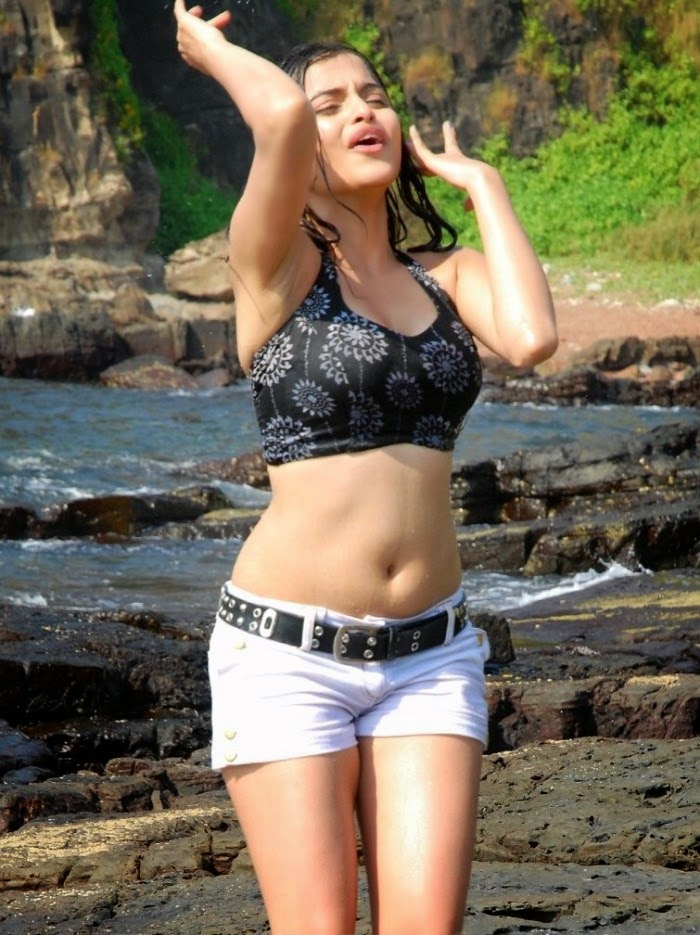 HOT sheena shahabadi navel