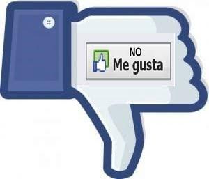 """Un mensaje transmitido por la red social Facebook este fin de semana —prometiendo el deseado botón de """"No me gusta""""— ocasionó que miles siguieran un enlace nocivo con la esperanza de obtener el simbolito con un pulgar hacia abajo. Era un virus. Y no es la primera vez."""