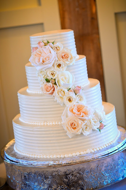 les fleurs : barn at gibbet hill : cake flowers : cake cascade