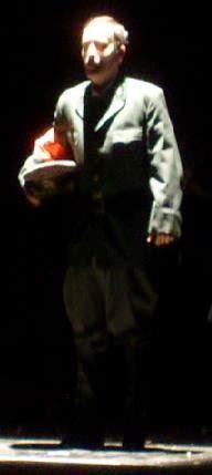 Julio Clemente  interpreta el  «Todesfuge». de Paul Celan. Reestreno de GUANTES DE PIEL HUMANA (2009), de Carlos Morales y Julio Clemente Lourtau; escrita y representada por primera vez en 1978, es la primera obra de teatro en Español de todas las escritas hasta la fecha en torno al Holocausto.