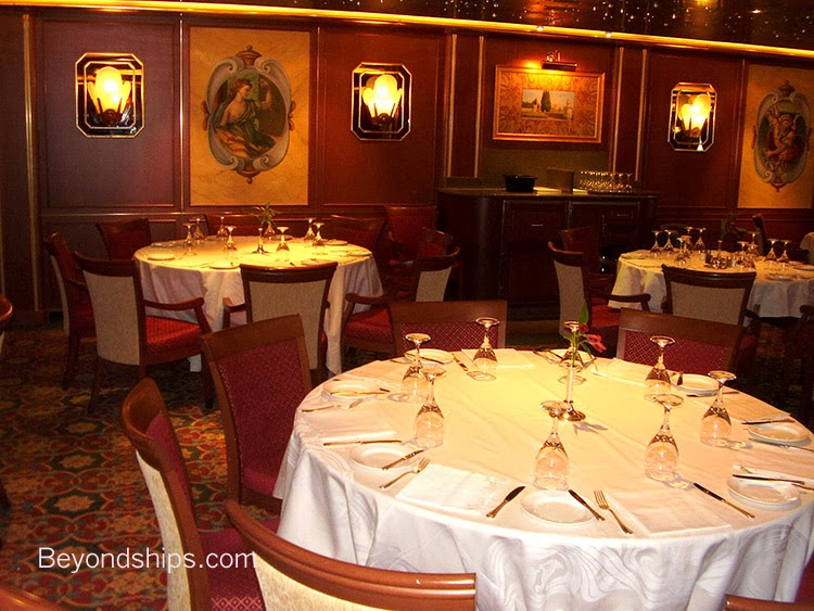 красив ресторант в круизен кораб