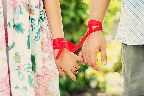 Couple Holding Hands Wallpaper