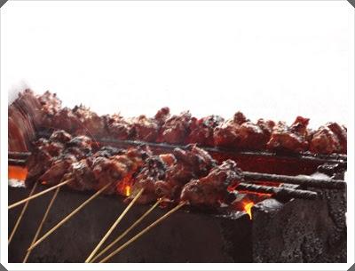 http://www.khairunnisahamdan.com/2013/06/tempat-makan-best-sate-tulang-senawang.html