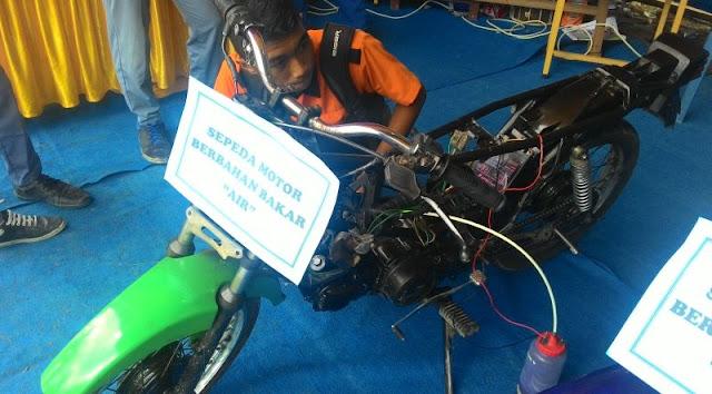 Siswa SMKN Aceh Ubah Air Untuk Bahan Bakar Sepedah Motor
