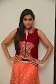 Rashmi goutham latest glam pics-thumbnail-15