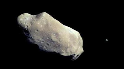 Asteroid Bakal Menabrak Bumi